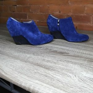 Vince Camuto Hamil Oxford Blue Booties Size 9.5
